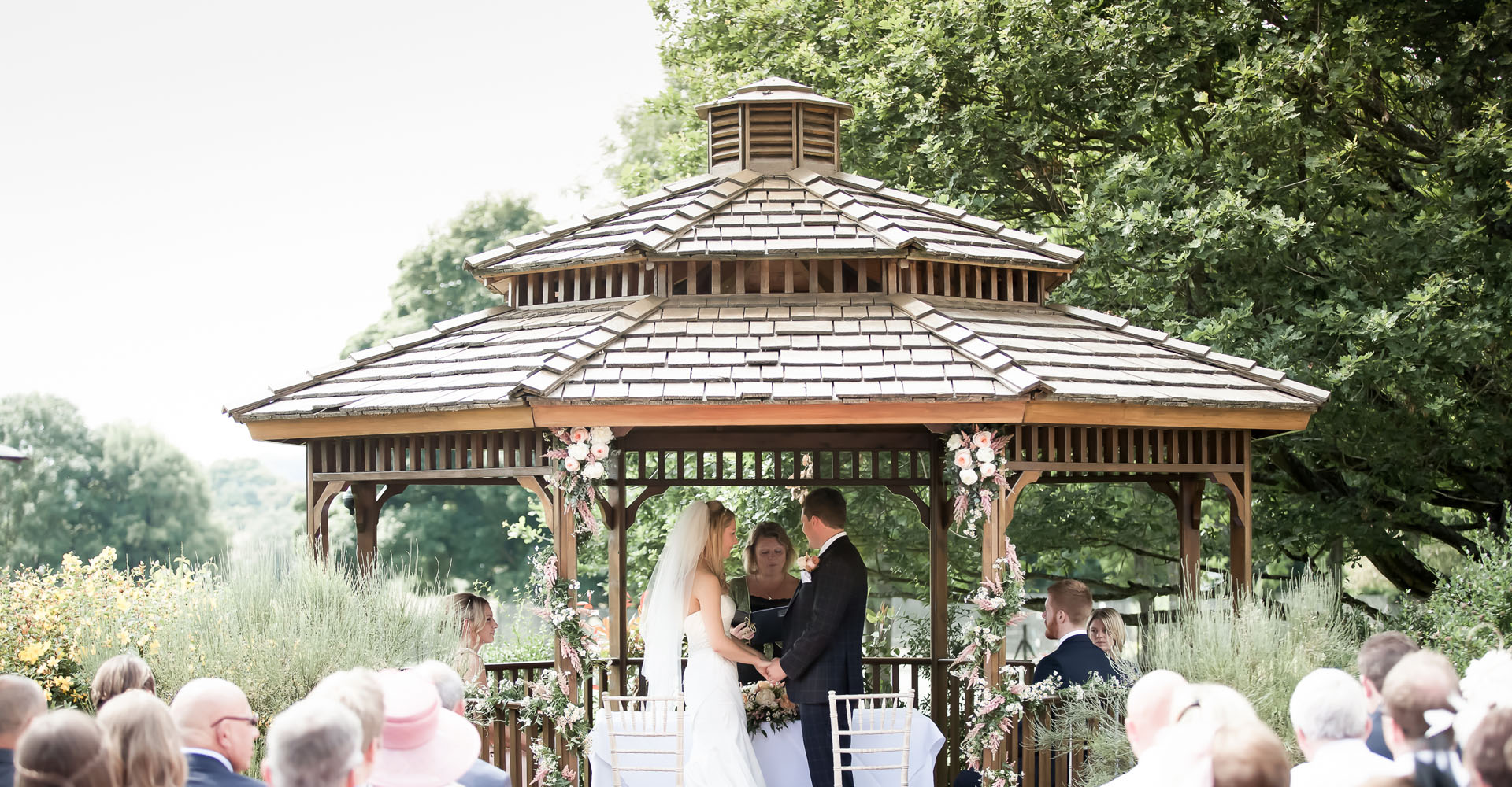 The Pavilion Wedding Venue - Outdoor Weddings, Buckinghamshire